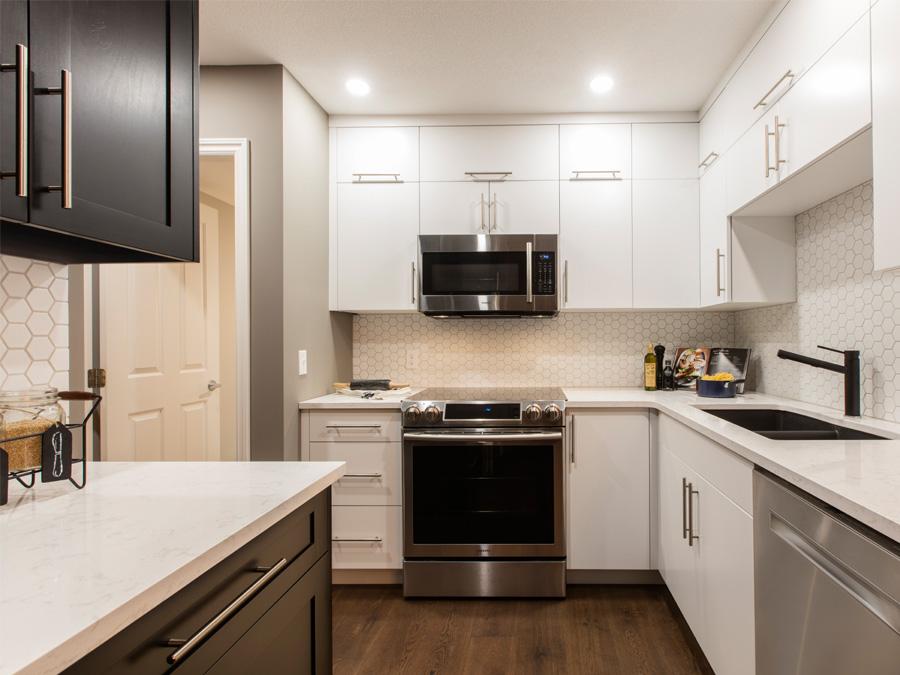 Mid-century condo - kitchen after   Creative Touch Kelowna Interior Design