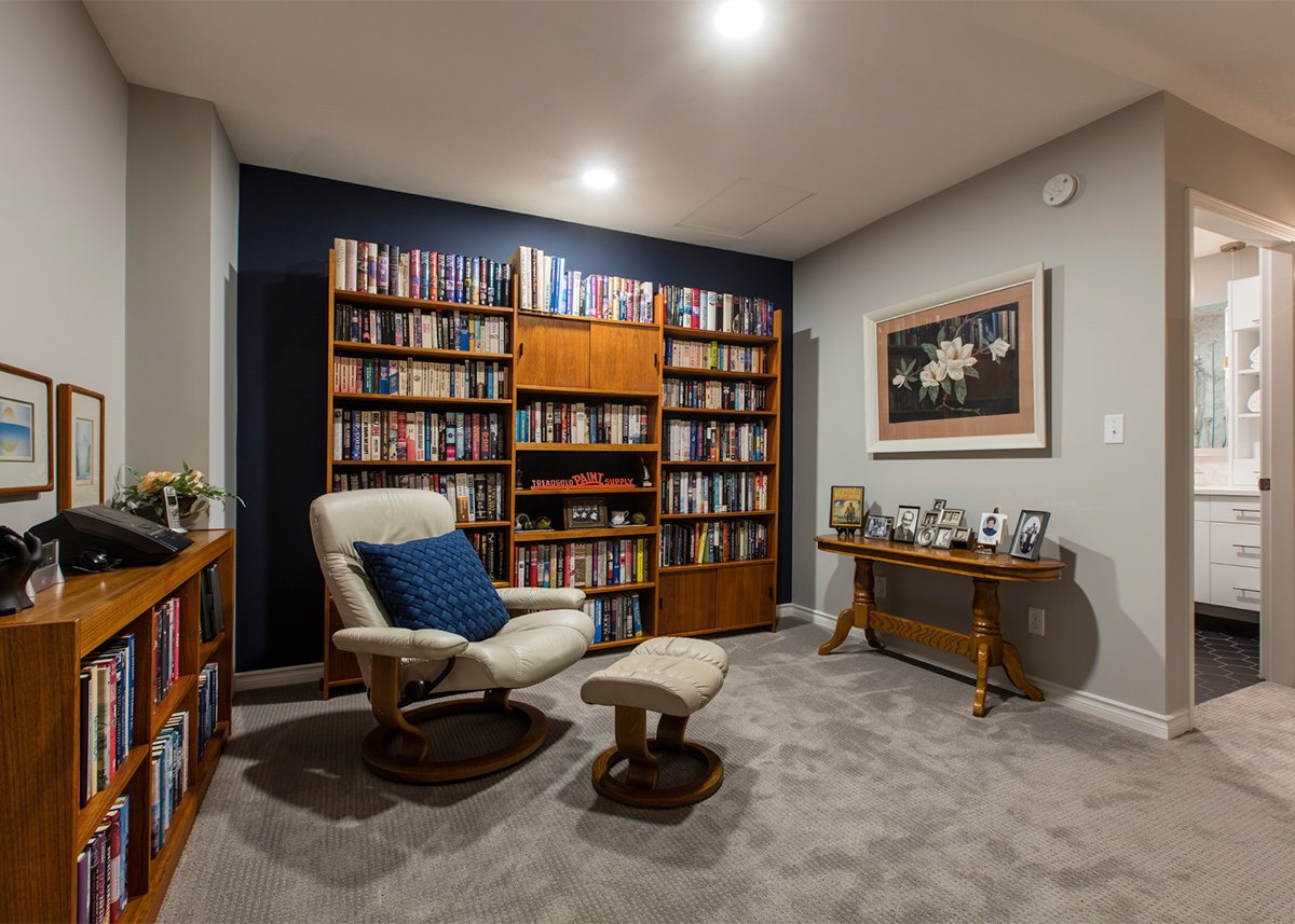 Mid-century condo - upstairs library space | Creative Touch Kelowna Interior Design